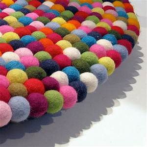 pinocchio ou le tapis multicolore With tapis boules multicolores
