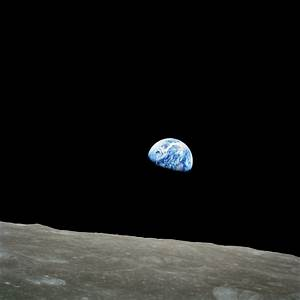 Merry Christmas From the Moon - Earthrise 1968