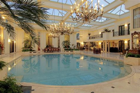 This Houston Home Has An Amazing Natatorium