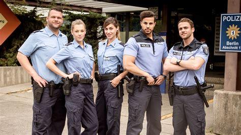 sterne von berlin die jungen polizisten alle infos