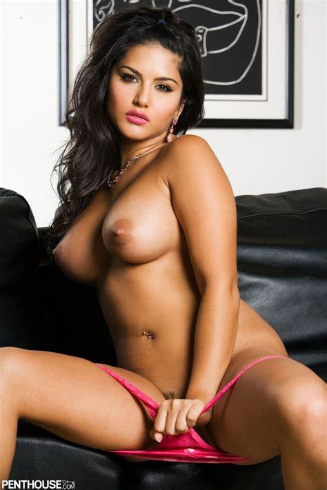 Sunny Leone Titt Nude Porn Star Image