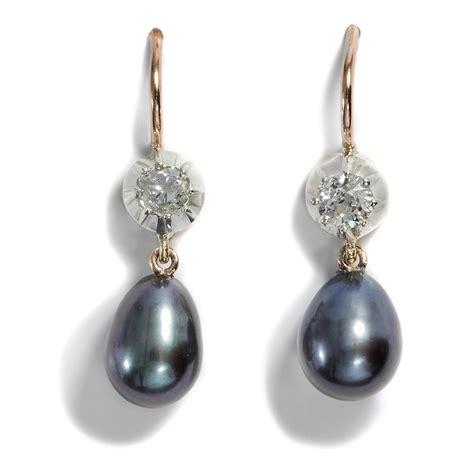 Ohrringe Mit Grauen Perlen Und Historischen Diamanten In