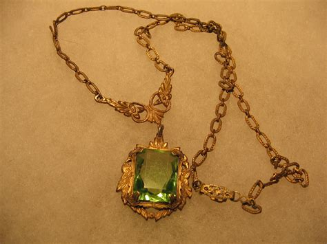 Vintage Quality Necklace 1940s Costume Jewelry Item 953a