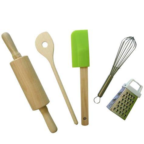ustensiles de cuisine pour enfants ustensiles de cuisine enfant emporte pièce et découpoir