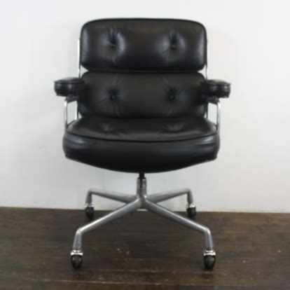 charles eames herman miller time lobby chair in black