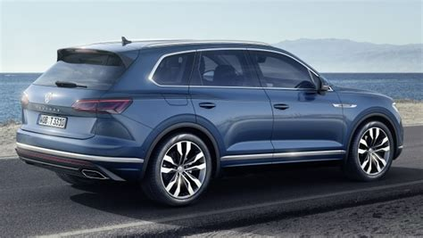volkswagen touareg debuts    display