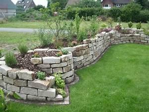 Hochbeet Im Garten : natursteine und garten gestalten garten trockenmauer ~ Lizthompson.info Haus und Dekorationen