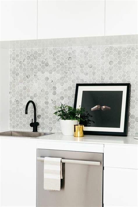 mosaique murale cuisine le carrelage en marbre en 42 photos