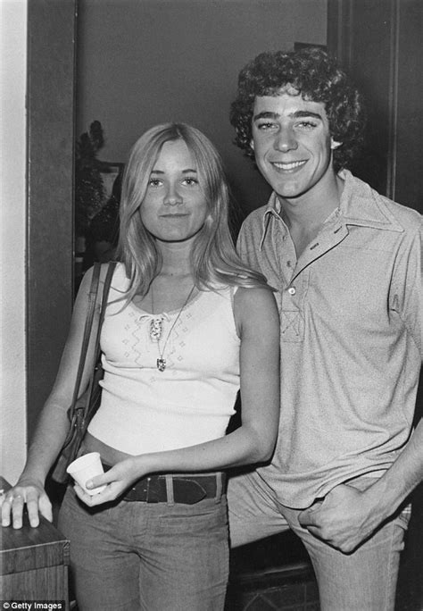 i 39 m a 39 s maureen mccormick 39 s former barry williams is shocked by antics