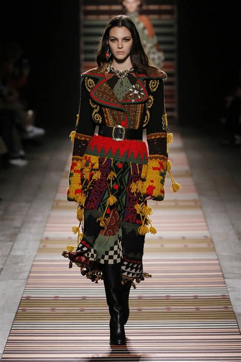 ETRO FALL WINTER 2018 WOMEN'S COLLECTION | The Skinny Beep