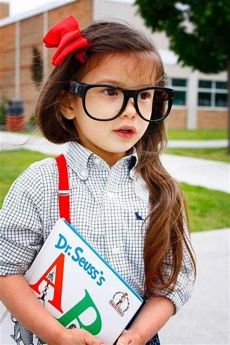 17 Best images about Girl Nerd Costume Ideas on Pinterest | Oversized plaid shirts Girl nerd ...