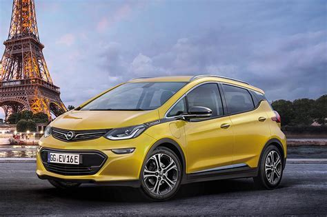 Angela Merkel Says To Do Everything She Can To Secure Opel