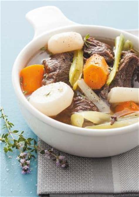 recette pot au feu joue de boeuf joue de bœuf en pot au feu et ses l 233 gumes recettes thomson