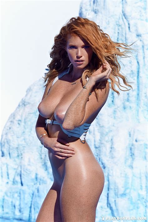 Elizabeth Ostrander Nude On An Iceberg At A Tribute To playboy