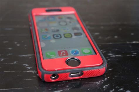 speck iphone 5s cases speck candyshell faceplate for iphone 5s review