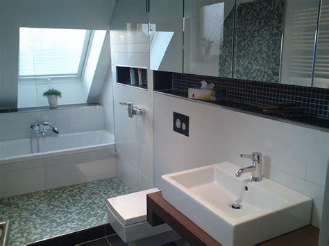 Dusche Dachschräge Kleines Bad by Dusche Dachschr 228 Ge Kleines Bad Oz62 Startupjobsfa