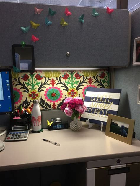 Cubicle Decoration Themes India by 20 Creative Diy Cubicle Workspace Ideas House Design And