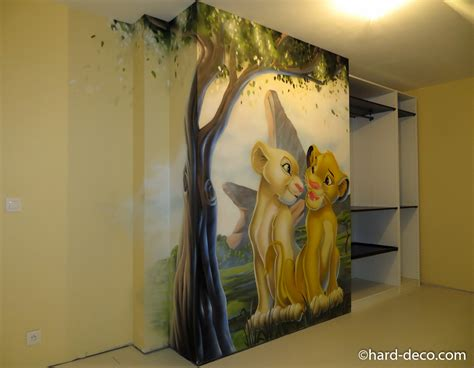 fresque chambre bébé fresque murale réalisée sur le thème disney roi