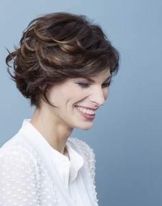 Coupe Cheveux Gris Femme 60 Ans : coiffure cheveux courts femme 70 ans ~ Melissatoandfro.com Idées de Décoration