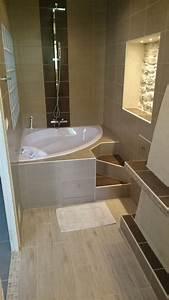 Baignoire Angle Douche : les 25 meilleures id es de la cat gorie baignoire d 39 angle sur pinterest baignoire d 39 angle ~ Voncanada.com Idées de Décoration