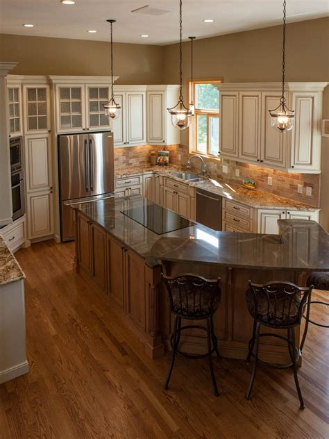 maple island  center  traditional kitchen hgtv