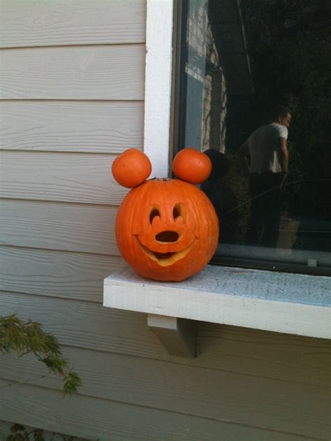 mickey mouse pumpkin ideas 17 best images about things i ve made wanna make on pinterest