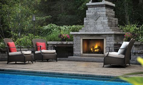 Outdoor Fireplaces : The Fireplace Professionals