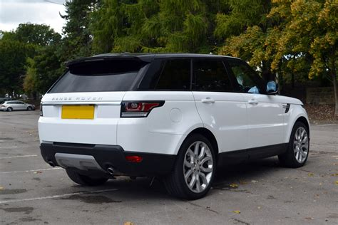 Range Rover Vogue Gloss White Wrap Reforma Uk