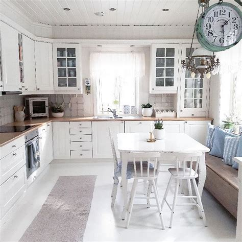 Charming Cottage Eatin Kitchen With Table In The Middle. Kitchen Set Gantung Murah. Red And Yellow Kitchen Curtains. Kitchen Countertops Cut To Size. Orphans Kitchen Grey Lynn. Little Kitchen Uk Twitter. Kitchen Lighting Ceiling. Kitchen Glass Prep Bowls. Kitchen Tile Pinterest