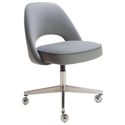 saarinen executive armless chair in gunmetal moleskin