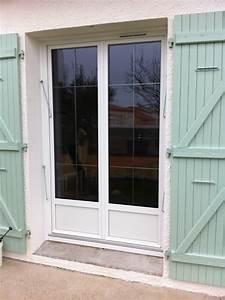Fenetres la rochelle rochefort fenetre porte volet for Porte de garage coulissante jumelé avec porte paliere blindee