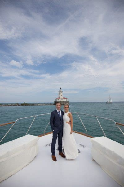 Boat Rental Chicago Wedding by Lake Michigan Chicago Yacht Charter Rental Here