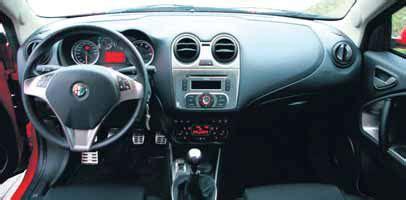 interieur alfa romeo mito alfa mito 1 4 turbo autoplus