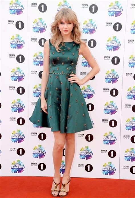 Taylor Swift Wears Jenny Packham at the BBC Radio 1 Teen ...