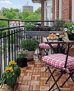 Kleiner Balkon Möbel : kleiner balkon mit klappbaren m bel blumen 9 18 design ideas pinterest kleine balkone ~ Sanjose-hotels-ca.com Haus und Dekorationen
