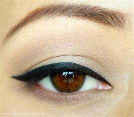 how to cat eye eyeliner indian vanity easy cat eyeliner tutorial