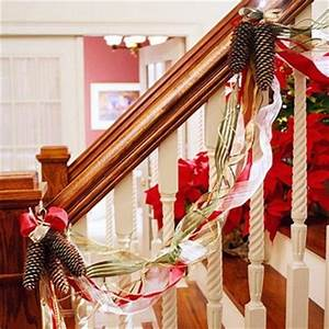 Ideas rápidas para decorar las escaleras en Navidad
