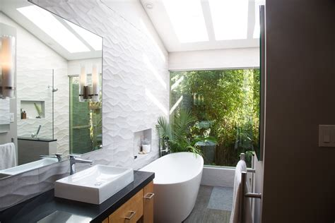 Modern Spa Bathroom by Modern Spa Bathroom