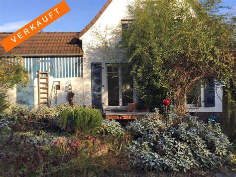 Charmantes Kleines Haus Und Neues Gartenhaus In Fachwerkoptik