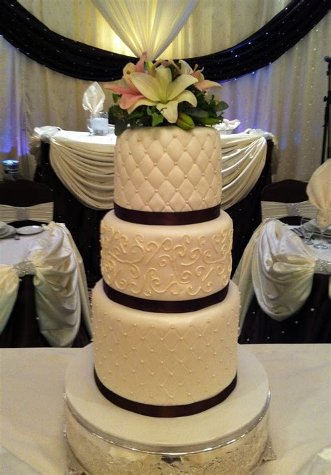 jocelyn s wedding cakes and more elegant wedding cake brton