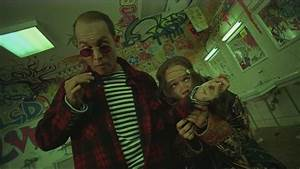 Bathroom scene fear and loathing in las vegas youtube for Fear and loathing bathroom scene