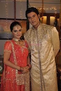 Aastha Chaudhary, Tabrez Khan at Sahara's Niyati TV serial ...
