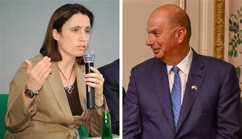 trumps  top russia adviser fiona hill delivers quid