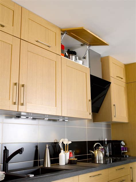 placard haut de cuisine astuces déco cuisine mais grandes idées http