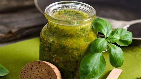 cuisiner le basilic 22 façons de cuisiner le basilic