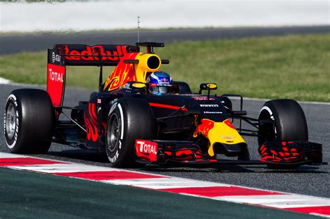 05 sebastian vettel f1 verstappen ends barcelona test on top speedcafe