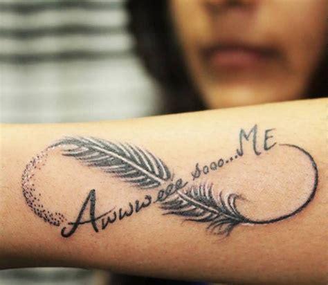 tatouage infini plume prenom