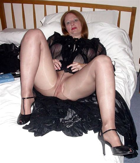 613 Sexy Dressed Teasing Mature Milfs Couger 142 Pics