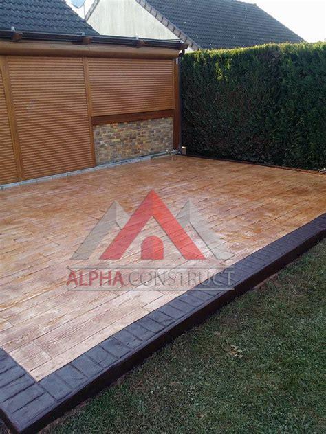 nivrem terrasse beton facon bois diverses id 233 es de conception de patio en bois pour