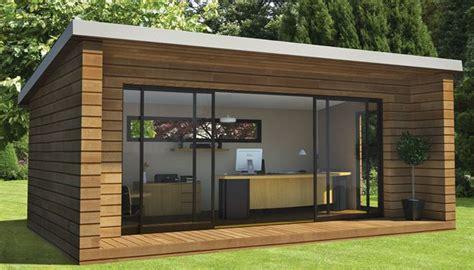 bureau de jardin en bois bureau de jardin un concept de bureau original